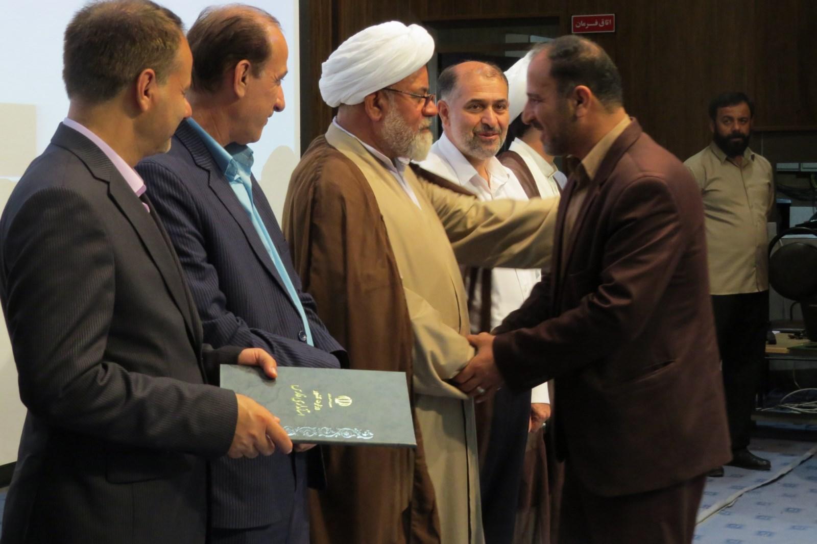 خلیل شریفی بخشدار اشکنان شد
