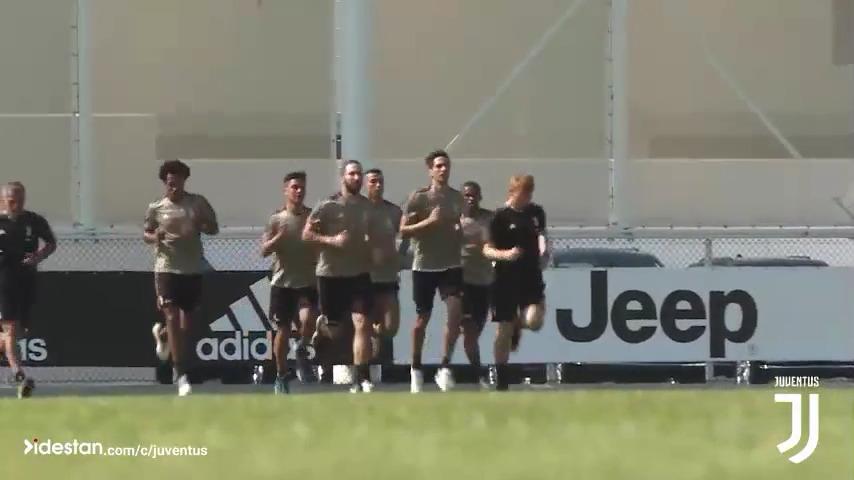 تمرین با نشاط تیم یوونتوس با حضور رونالدو