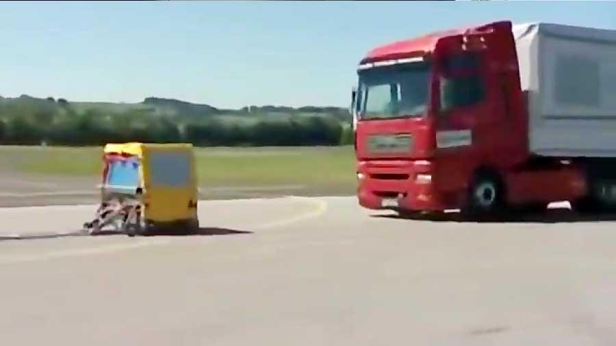 شبیه سازی تصادف کامیون و خودرو