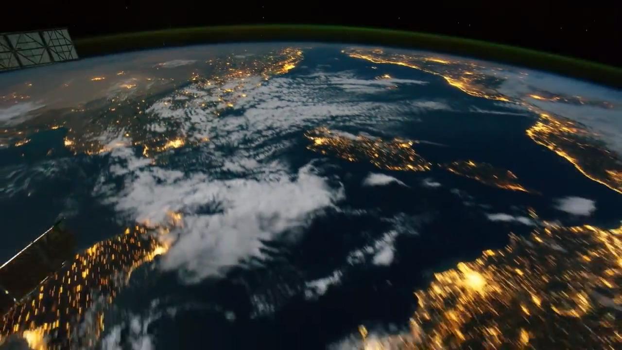 نمایش زیبای شفق قطبی از فضا