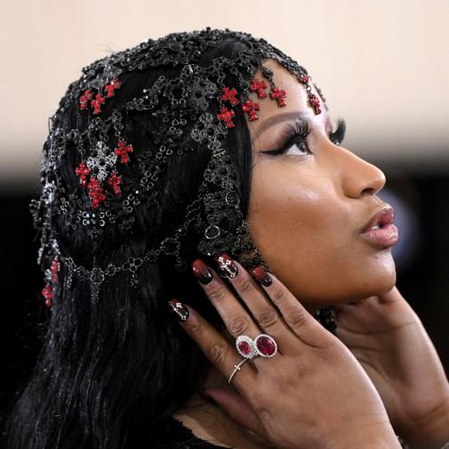 متن آهنگ Nip Tuck از Nicki Minaj