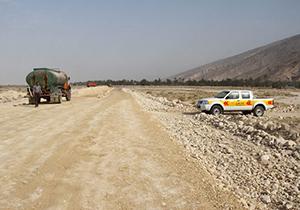 عملیات اجرایی ساخت جاده نخلستان در شهرستان مهر