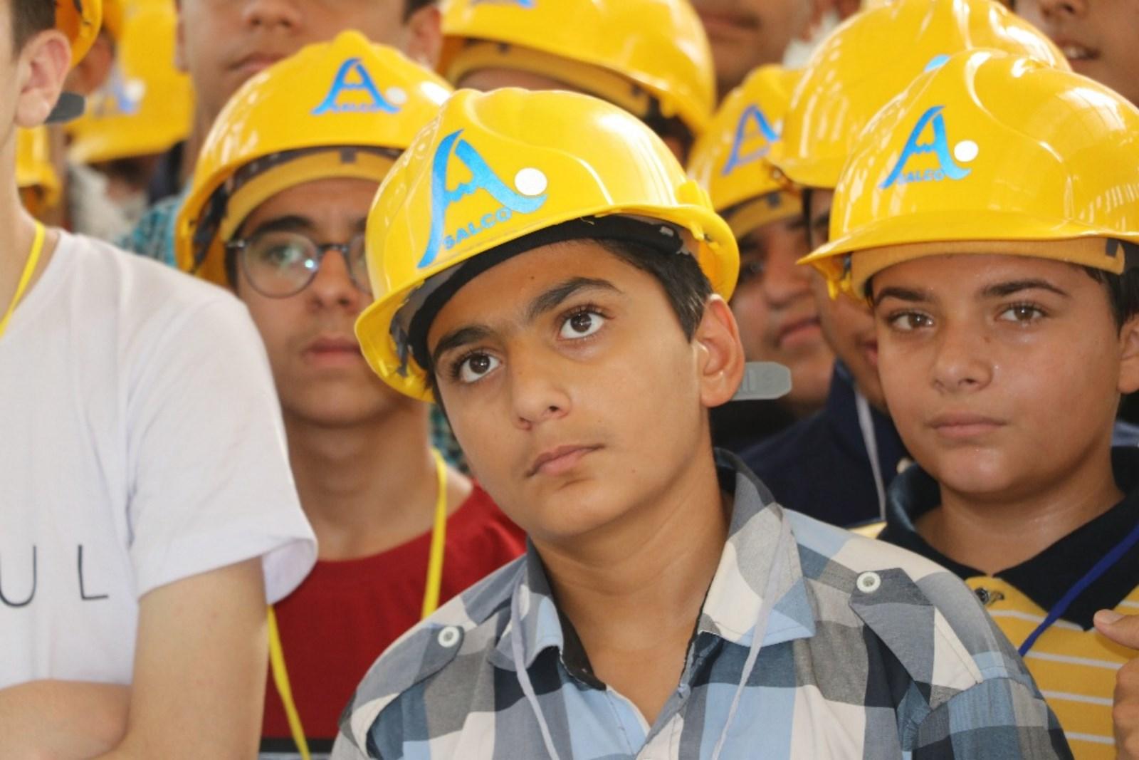 دانش آموزان لامردی کارخانه ساز می شوند