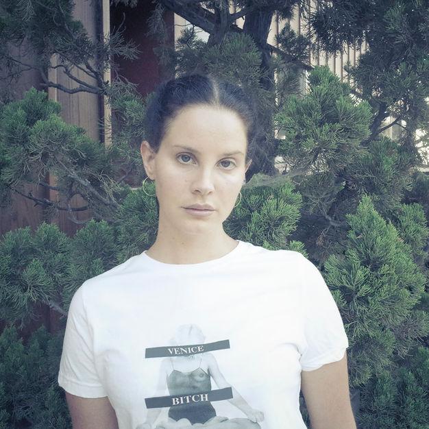 متن و ترجمه فارسی آهنگ Mariners Apartment Complex از Lana Del Rey