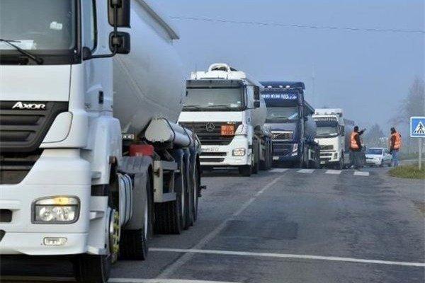 واردات ۱۳۰۰کانتینر لاستیک کامیون طی دو هفته آینده