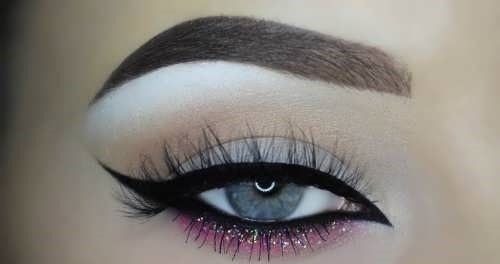 http://rozup.ir/view/2673669/Model-eyeliner-bride-%20(2).jpg