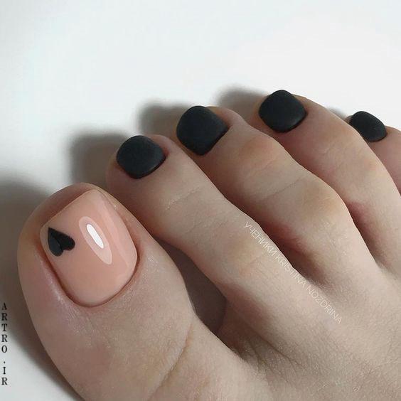مدلهای طراحی ناخن پا
