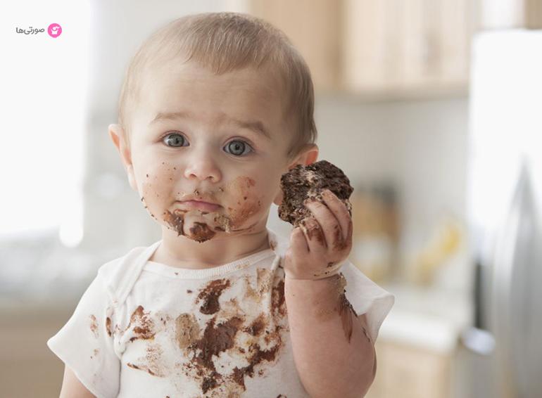 بررسی روشهای مختلف پاک کردن لکه شکلات