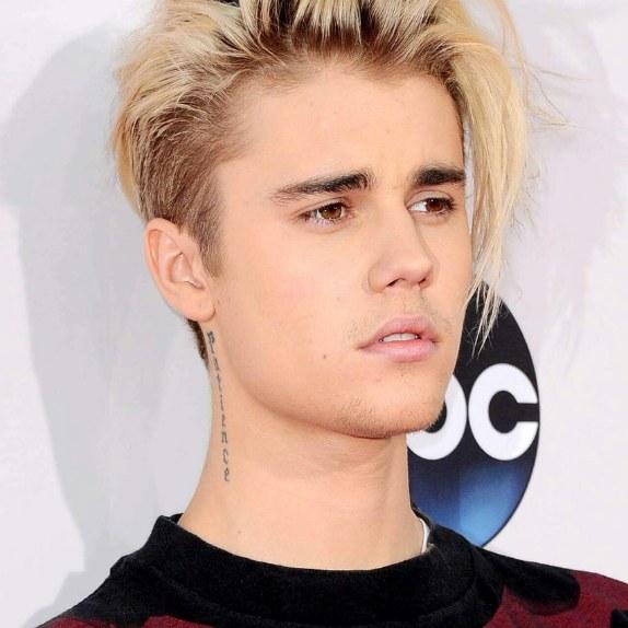 دانلود آهنگ Unfamiliar از Selena Gomez و Justin Bieber و Maejor Ali