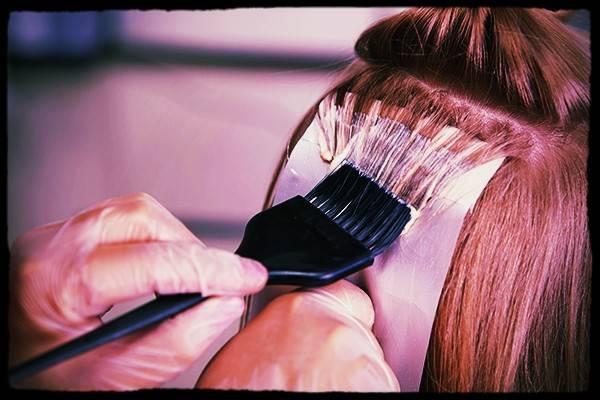 روشن کردن مو با رنگ سه صفر