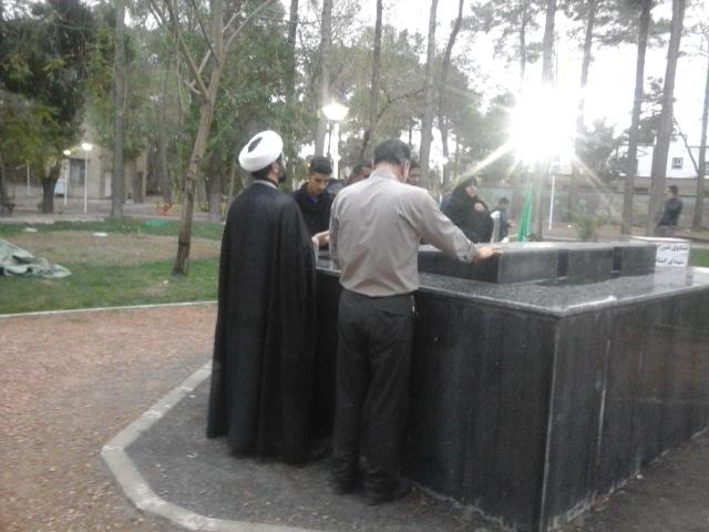 زيارت قبور شهداي كمنام توسط امام جمعه محترم شهر قهدريجان