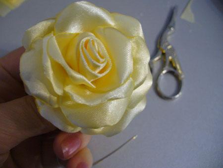 آموزش گل رز روبانی, دوخت گل رز روبانی