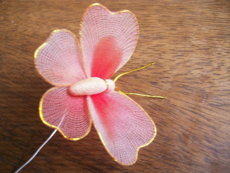 نحوه ساخت پروانه های جورابی, ساخت پروانه با جوراب