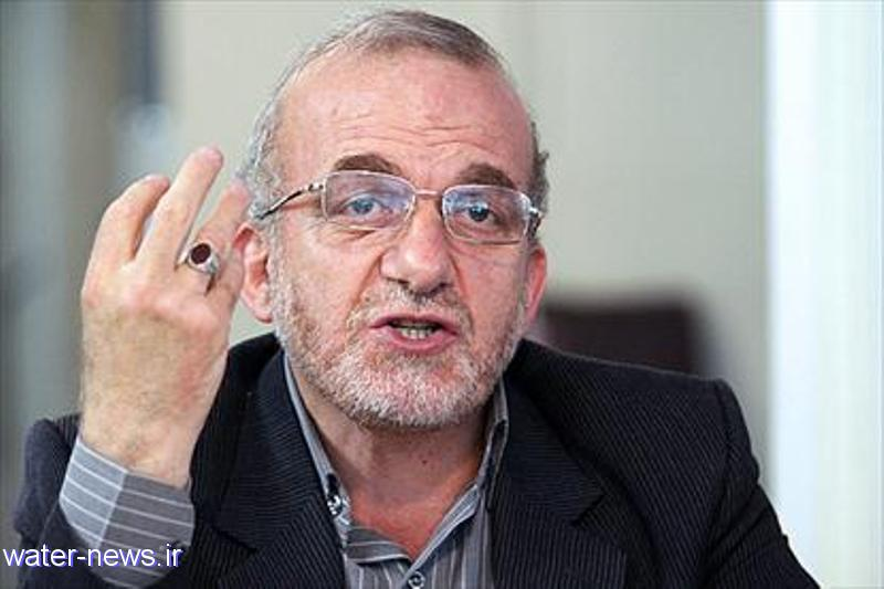 نبود مديريت منابع مهمترين دلايل مشکلات آب در اصفهان است