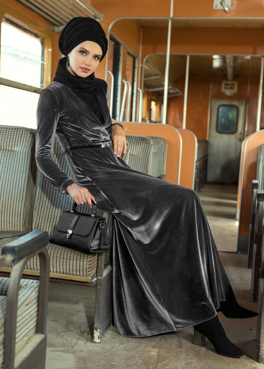 مدل لباس مجلسی بلند مخمل12