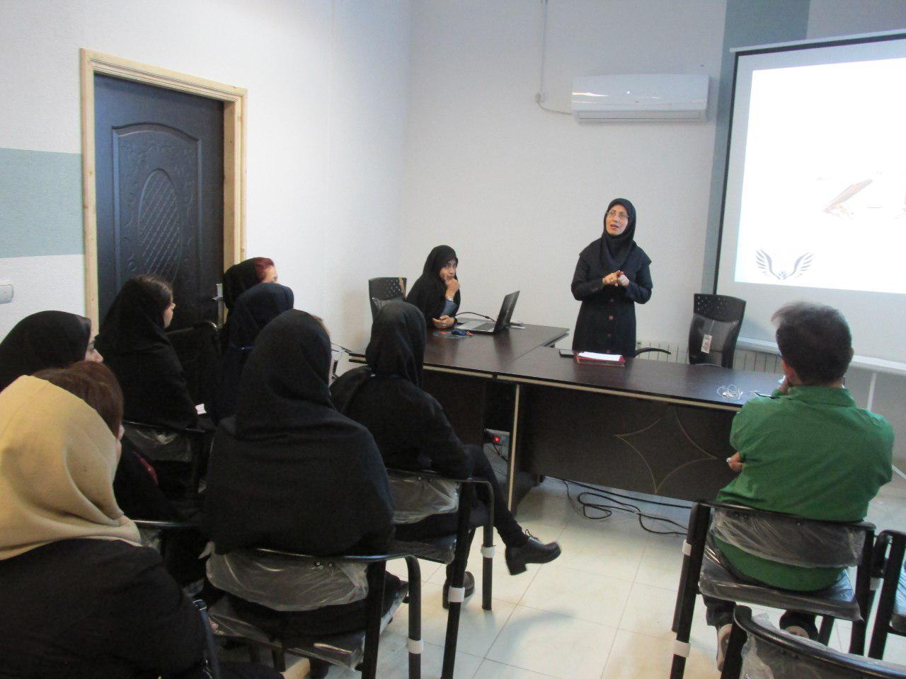 گزارش تصویری برگزاری نخستین کارگاه آموزشی حقوق شهروندی