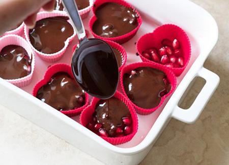 دسر شکلات انار,طرز تهیه دسر شکلات انار