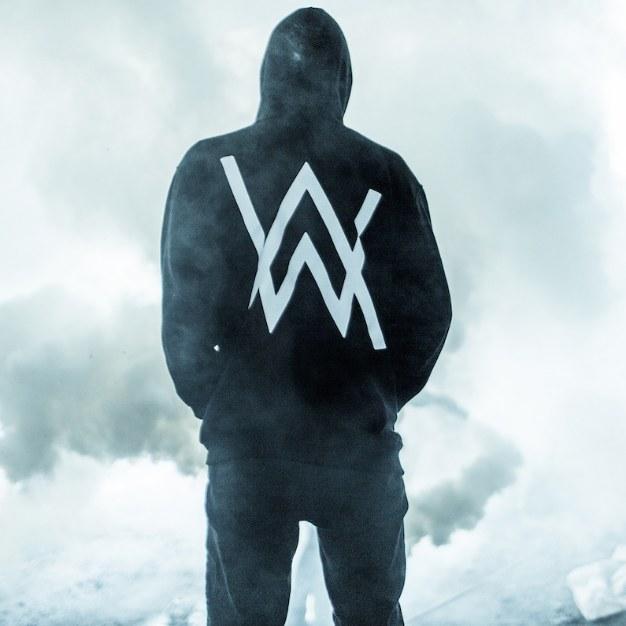 دانلود آهنگ Lost Control از Alan Walker آلن واکر | با متن و کیفیت MP3 320