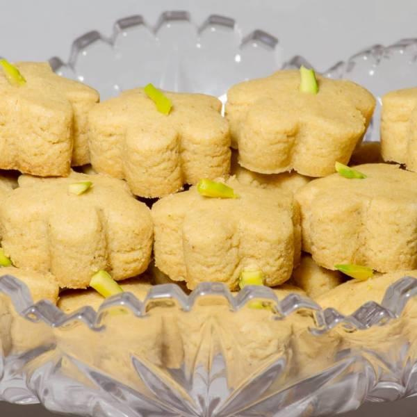 روش پخت شیرینی نخودچی