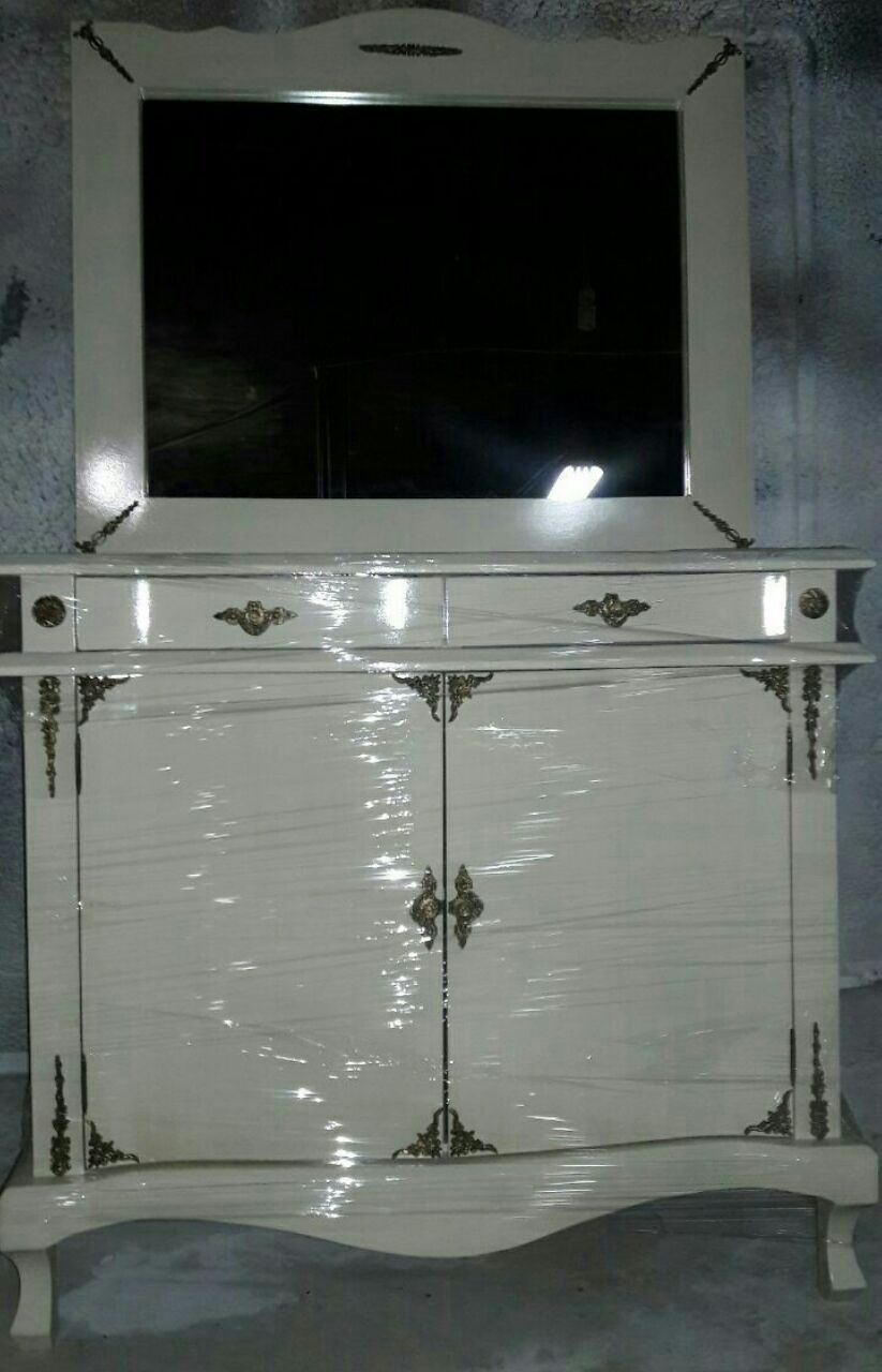 کنسول با آینه
