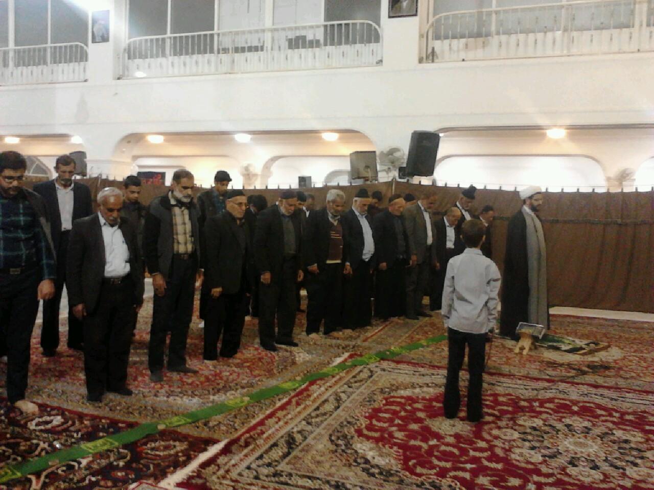 اقامه نماز جماعت در مسجد بلال به امامت امام جمعه محترم شهر قهدریجان