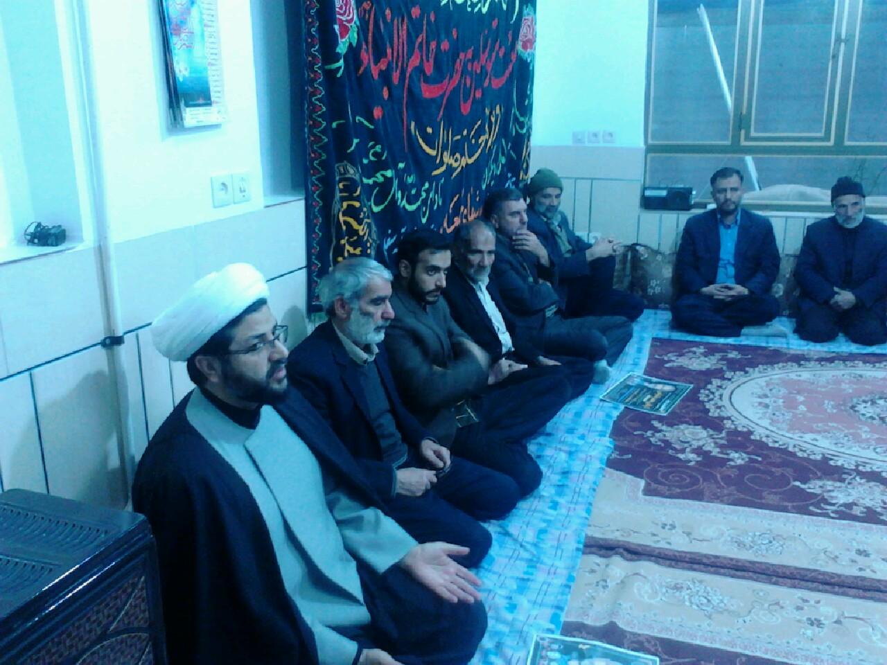 حضور امام جمعه محترم شهر قهدریجان در مراسم ترحیم اقای موذنی