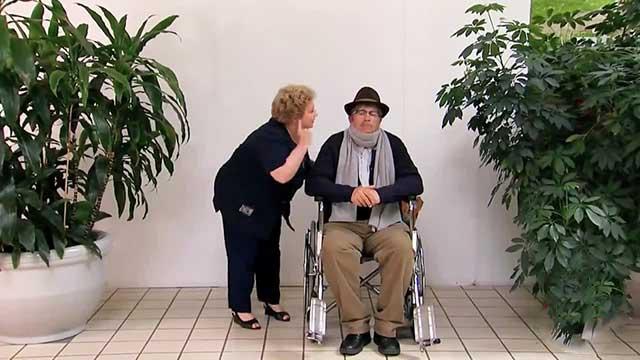 دوربین مخفی پیرمرد زرنگ و همسرش