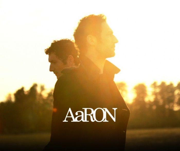 دانلود آهنگ Maybe On The Moon از AaRon با کیفیت 320 + متن و ترجمه