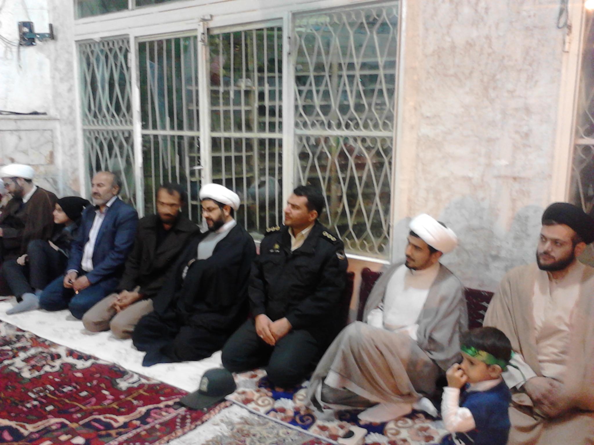 حضور امام جمعه محترم بخش قهدریجان و مسئولین شهر در شب میلاد حضرت زینب (سلام الله علیها)در مسجد بلال