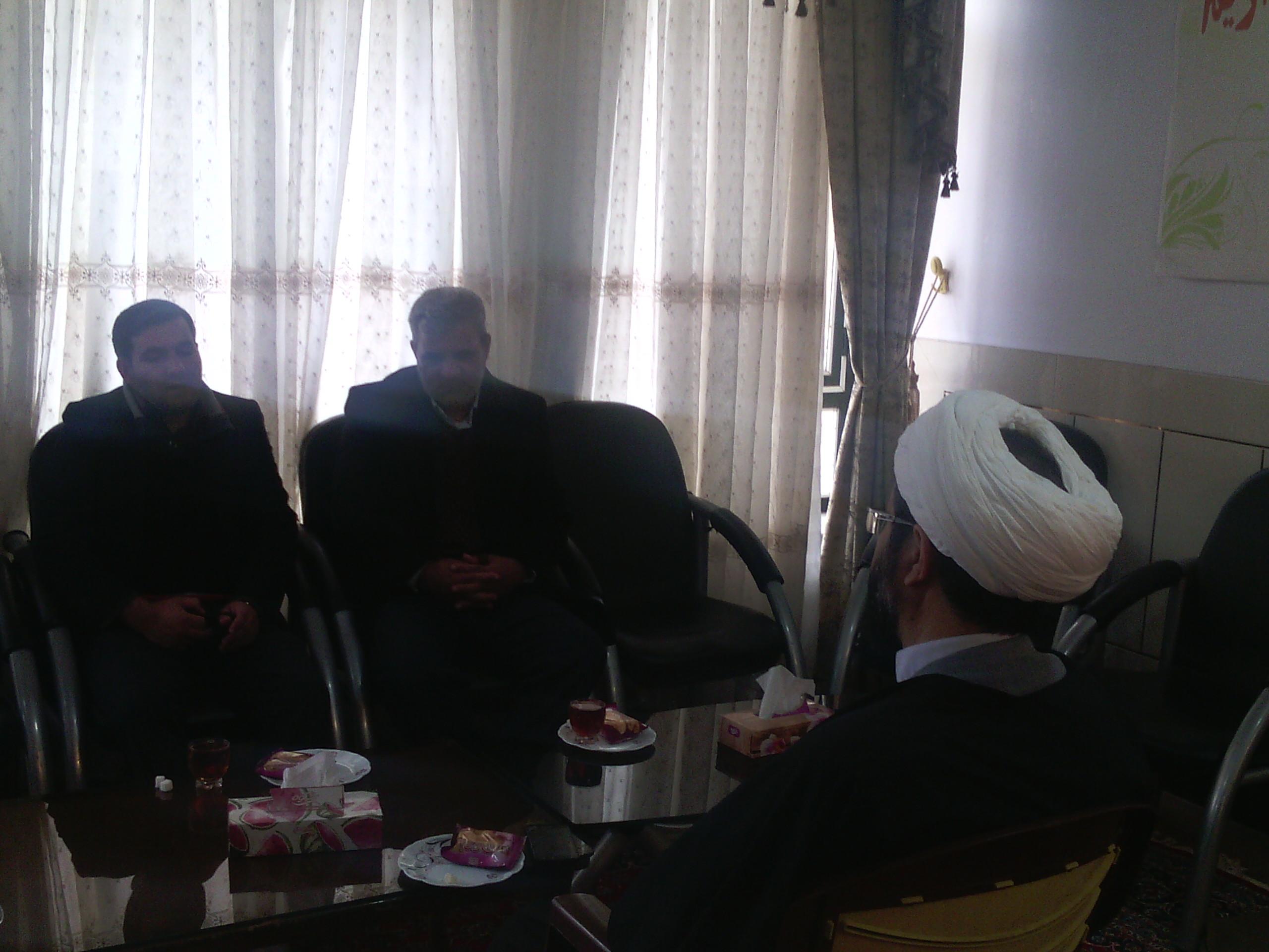 دیدار امام جمعه بخش قهدریجان با آقای حشمت و آقای صفاری از اعضای شورای هیئات مذهبی در مورد مسائل هیئت ها