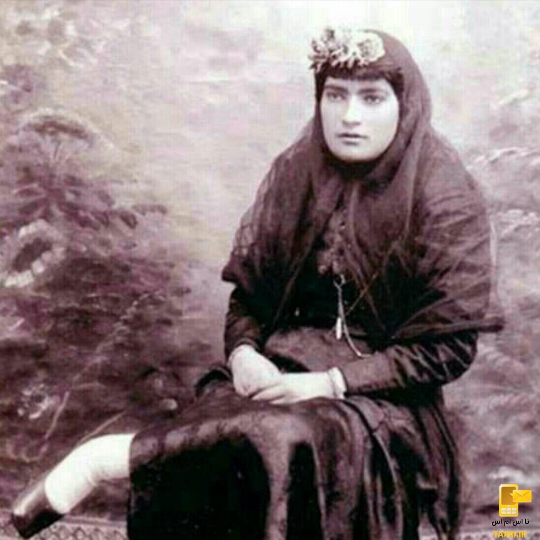 مریم عمید، ملقب به مزین السلطنه،نخستین روزنامهنگار زن ایرانی