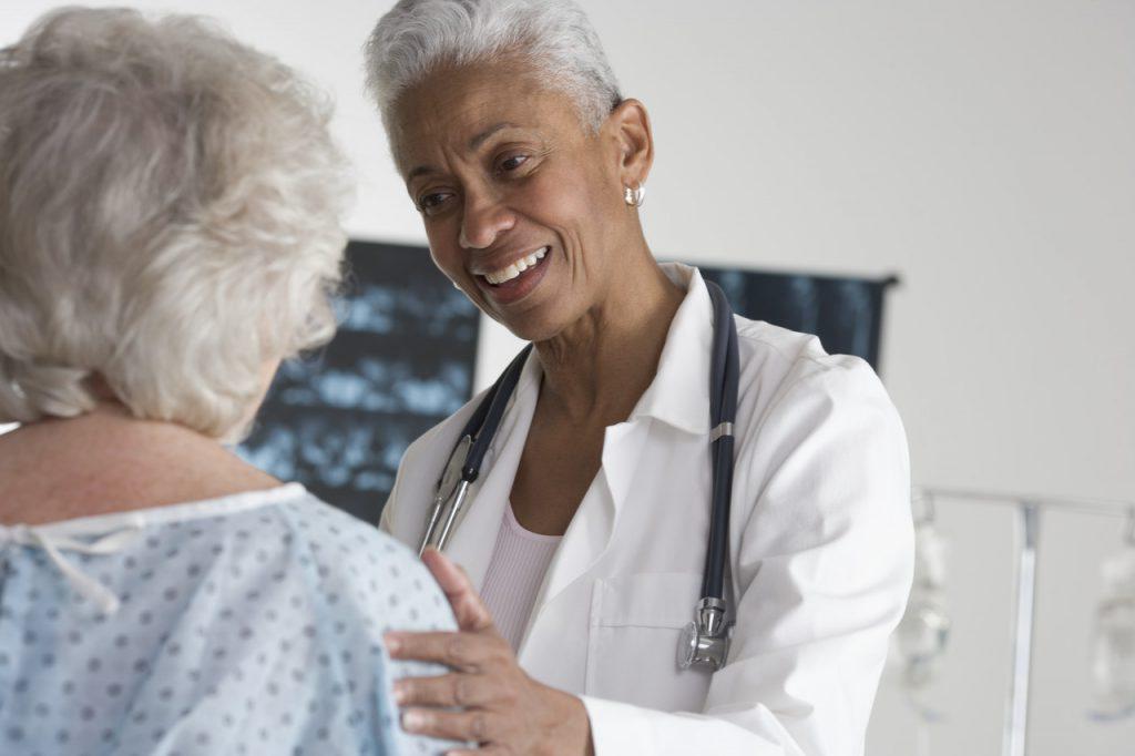 نمونه برداری از تومورهای سینه چگونه انجام می شود؟