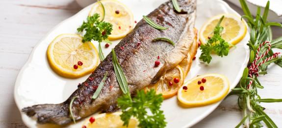 طرز تهیه ماهی قزل آلا روی زغال