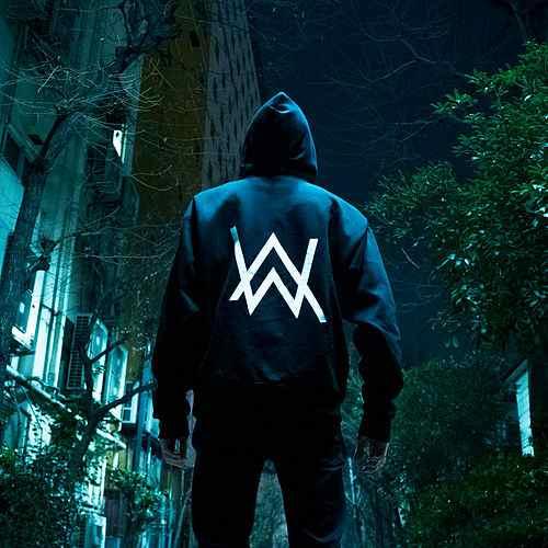 دانلود آهنگ On My Way از Alan Walker آلن واکر با کیفیت  عالی + متن