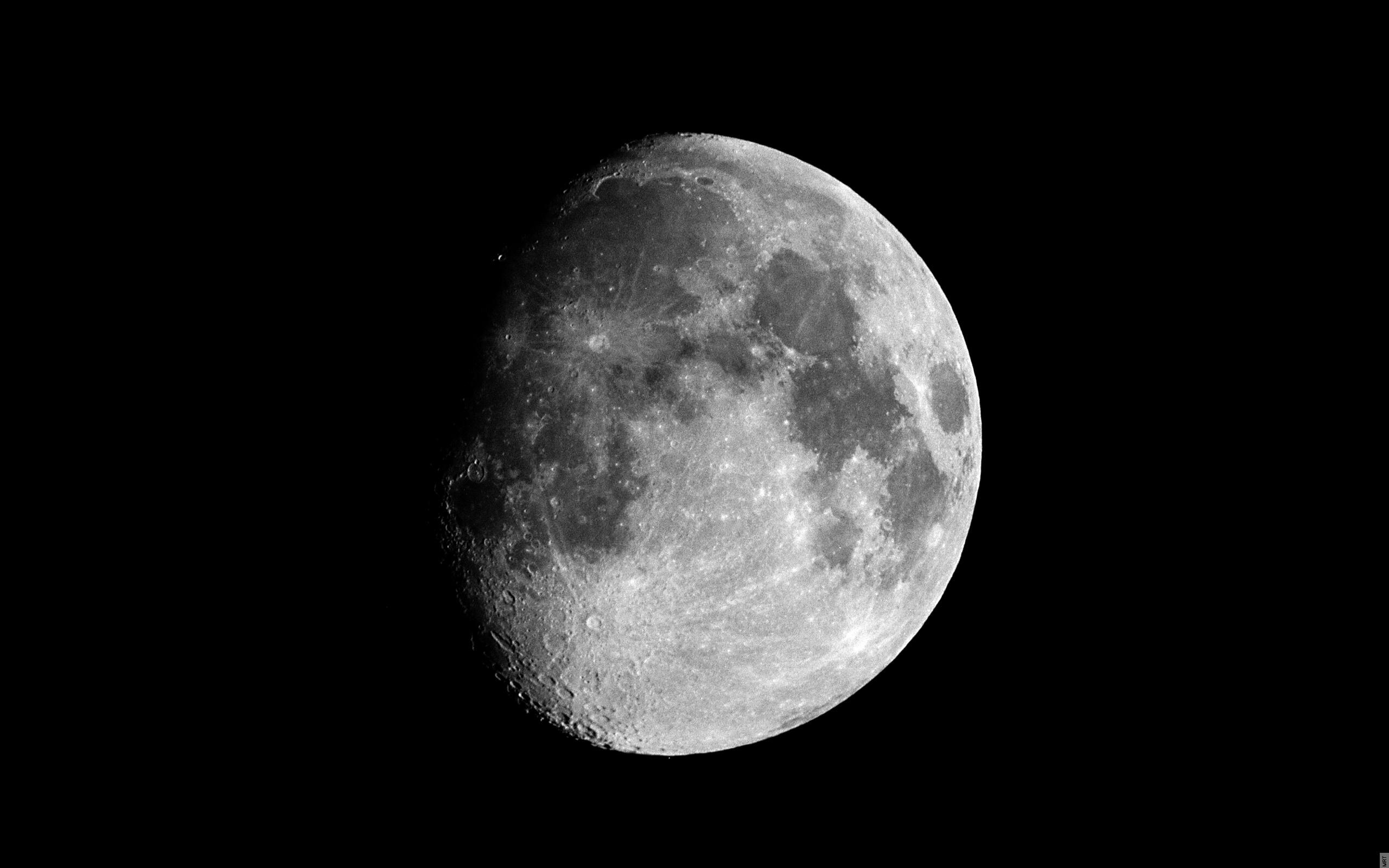 پدیده ی شق القمر