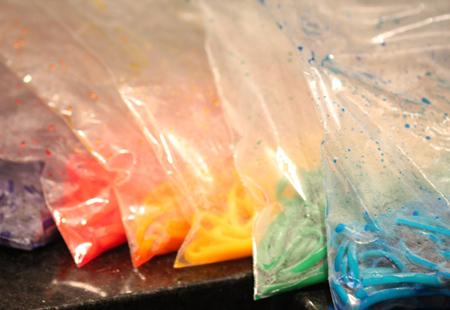 شیوه رنگین کردن ماکارونی,شیوه پخت ماکارونی رنگی