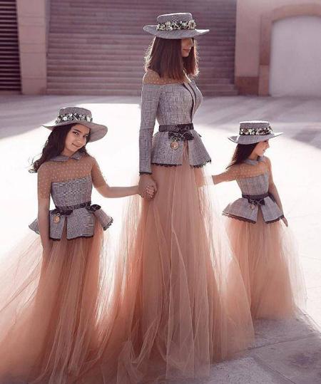 شیک ترین ست های مادر و دختر, ست لباس مجلسی مادر و دختر