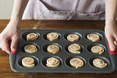 آموزش درست کردن انواع نان شکری,طرز پخت نان رول شکری