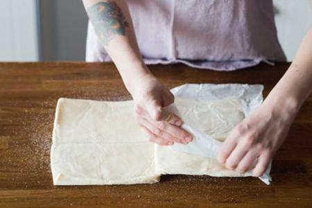 نحوه درست کردن نان رول شکری, نان رول شکری با خمیر هزارلایه