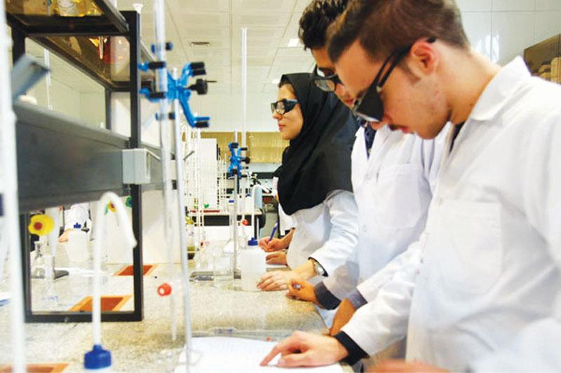 بازار کار و آینده ی شغلی رشته های شیمی کاربردی و شیمی محض و تفاوت های آن دو