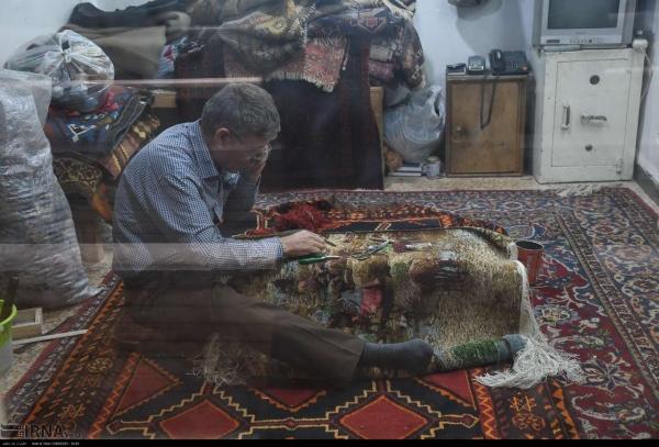 فرشس دستبافت اصفهان , بازار فرش اصفهان کجاست , رفوگری , روفه گری , رفوگری در بازار اصفهان