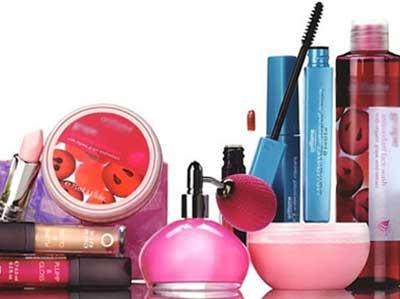 لوازم آرایش,محصولات آرایشی, استفاده از لوازم آرایشی