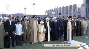 اقامه نماز عیدفطر توسط رهبرانقلاب در مصلی تهران