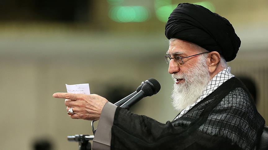 توصیه مهم اقتصادی امامخامنهای در حرم مطهر امـــام
