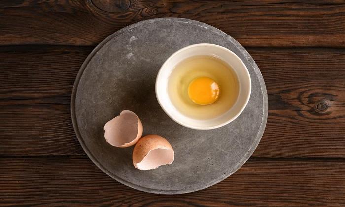 فوايد و مضرات مصرف تخم مرغ خام
