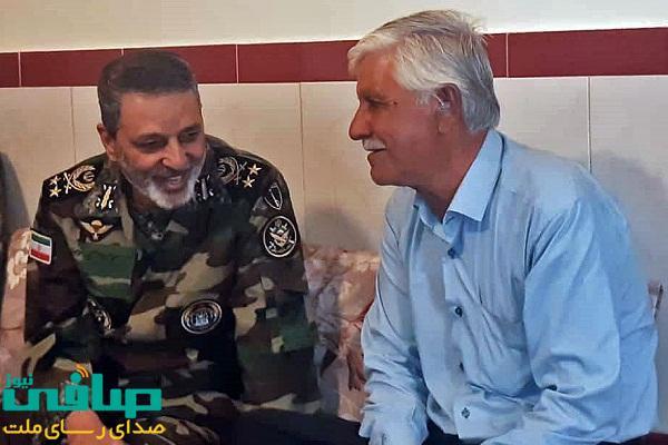 دیدار فرمانده کل ارتش با رزمنده جانباز رشیدی ملکی