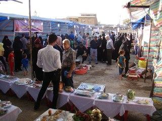 حضور مردم درغرفه هاي جشنواره انگور شيرامين