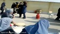 مسابقه پخت نان سبوس دار دریک هنرستان دخترانه اصفهان