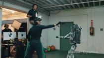 ضرب و شتم یک ربات و انتقام گرفتن آن