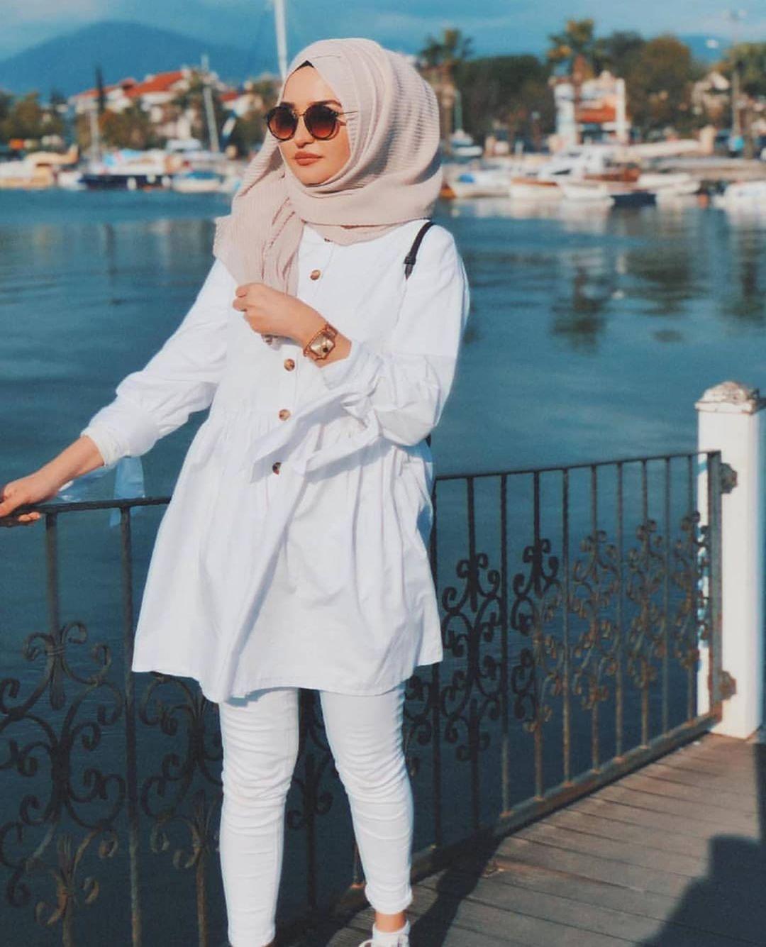 http://rozup.ir/view/2921716/hijab%20-manto-2978%20(2).jpg